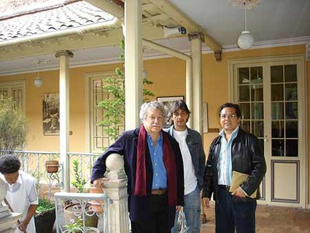 Juan Manuel Roca, Robinson Quintero y José Angel Leyva en Casa de Poesía Silva, en Bogotá