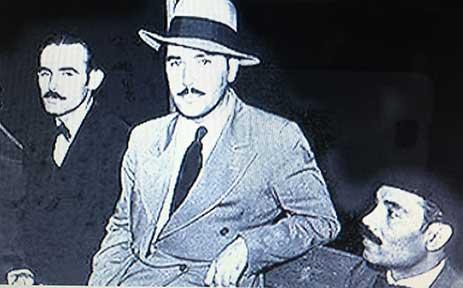 Clemente Soto Vélez junto al poeta Juan Antonio Corretjer y Don Pedro Albizu Campos, presidente del Partido Nacionalista Puertorriqueño.