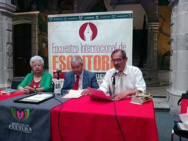 Evodio con María Rosa Fiscal y Fernando Andrade en Durango. Foto: JAL